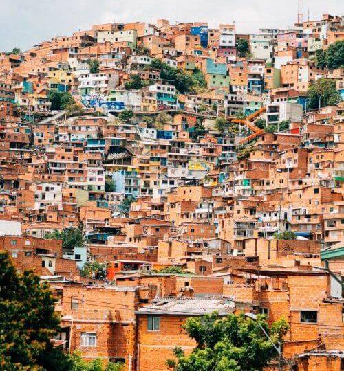 Mucho mas que novios. Colombia